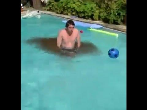 pulou na piscina com diarreia e deu merda💩