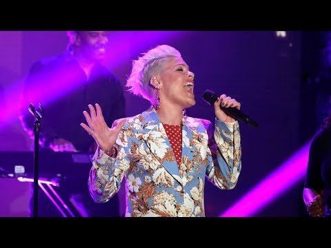 Xxx Mp4 P Nk Performs 39 Walk Me Home 39 For The First Time On TV 3gp Sex