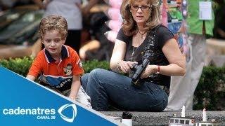 Erika Buenfil se sonroja con preguntas incomodas que le hace su hijo