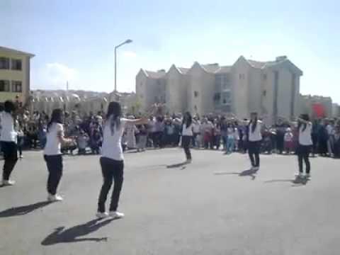 Ankaralı kızlardan oyun havası süper oynuyorlar