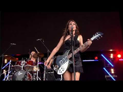 The Bangles - Manic Monday HD (Live - 2010) Video Clip