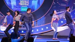 Salman Khan having Fun with Reporters