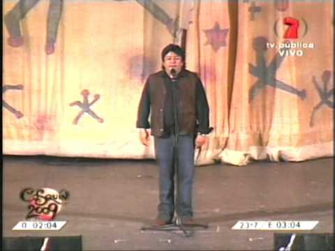 Miguel Ángel Centella Excelente Humorista Chileno en Cosquín 1 2