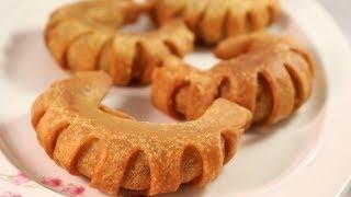 চিংড়ি ভিনরী পিঠা / Chicken Kheema Bread Roll/Special Chicken Cake/Bangladeshi Pitha in Bangla