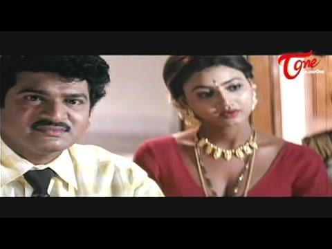Purohit Enjoys Hot Raksha s Cleavage Show