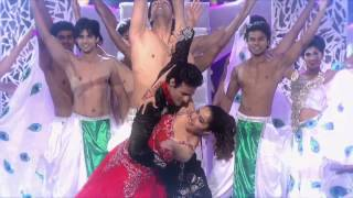Shraddha kapoor live dance performance Aashiqui 2 romantic & double romantic STAR GUILD awards