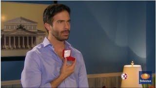 A que no me dejas - Adrián le propone matrimonio a Triana