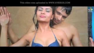 SOFTPORN_Bollywood_kissingvideo_romance_pornxxx_sex_video_eroticity_arroused_sex_roundboobs