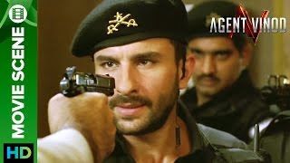Saif Ali Khan caught on gun point | Agent Vinod
