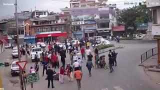شاهد قوة الزلزال وخوف الناس بلشارع ,, earthquake,, HD
