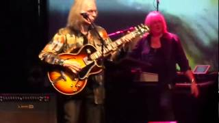 Yes live Sao Paulo Brasil - Yours is no disgrace  May 23 2013