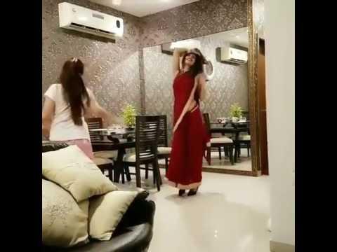 Xxx Mp4 Cheez Badi Hai Mast Mast Hot Indian Dance 3gp Sex