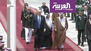 الملك سلمان يستقبل الرئيس ترمب في مطار الرياض