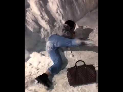 Xxx Mp4 18 смотри прикольная сумасшедшая девушка себя кидай на снег Xxx Sex секси кайфуем видео 3gp Sex