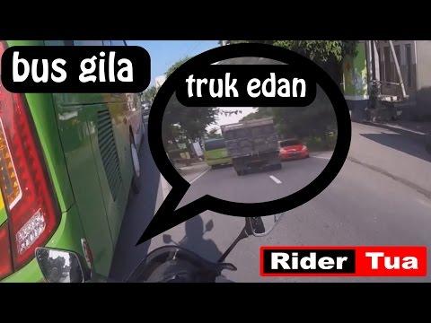 Sunmori: Truk Gila Dikerjai Bus RX King Community dan Tentu Ladies he...he...he
