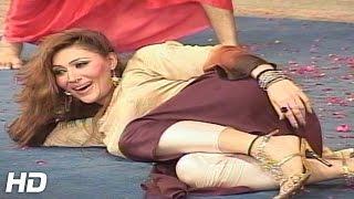 KHUSHBOO MUJRA - AKHIAN MILAWAN GEE - 2016 PAKISTANI MUJRA DANCE