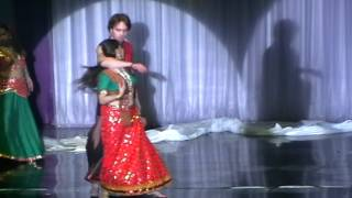 Group Almaz Voronish city dancing Urami at Holi 2012 Moscow