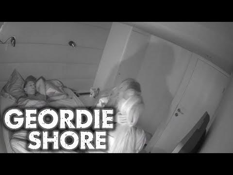 Xxx Mp4 Geordie Shore Season 11 Charlotte And Chloe Lesbian Kiss For Gaz MTV 3gp Sex