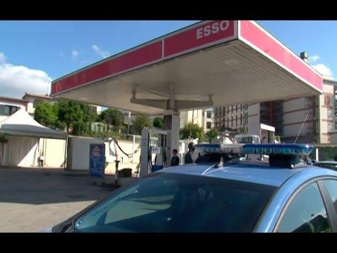 Napoli - Prostituta di 23 anni uccisa a Fuorigrotta -1- (09.05.15)