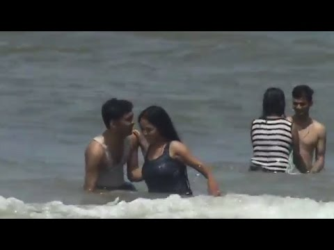 Indian Most Beautiful Beach | New couple enjoying in Goa Beach