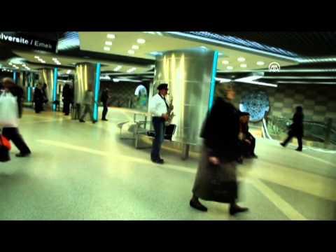 Anadolu Ajansı - İstasyondaki yolculara