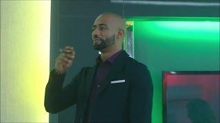 هدية ناصر لـ بدر مزرعة  فراخ وكرتوتين بيض - مسلسل الاسطورة / محمد رمضان