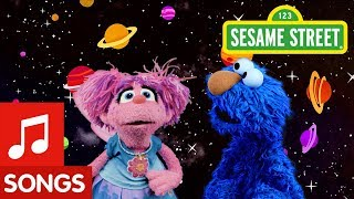 Sesame Street: Find Blue with Elmo and Abby   I Spy Color Song #2