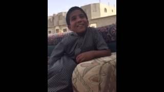 ردت فعل ولد بدوي عرف ان في بنات يكشفون وجيهم هههههه