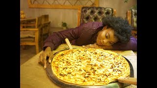 BLACK GIRL TRIES LARGEST PIZZA IN CHINA?