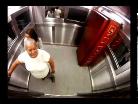 Camara escondida Ataúd en ascensor