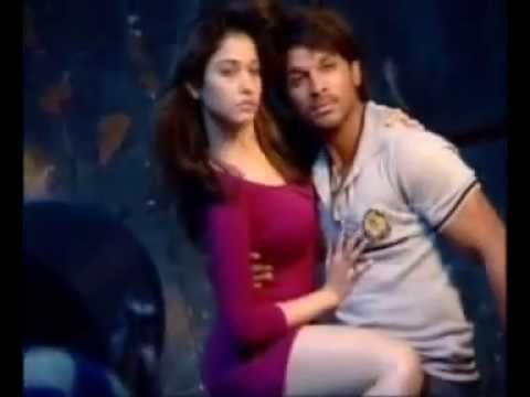 Xxx Mp4 Super Chemistry Between Allu Arjun And Tamanna Romantic Poses For South Scope 3gp Sex