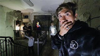 EXPLORING ABANDONED MENTAL ASYLUM... (CREEPY)