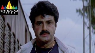 Narasimha Naidu Movie Balakrishna Train Scene | Balakrishna, Simran | Sri Balaji Video