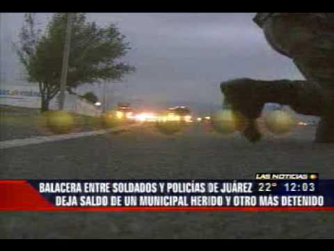 policias de juarez intentan rescatar a detenido por el ejercito