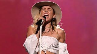 """Miley Cyrus  Canta """"Malibu"""" en los Premios Billboard 2017!"""