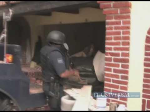 Policías son baleados por miembros de La Familia