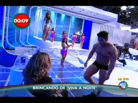 Rafael Cardoso faz Strip tease Programa do Gugu 01 05
