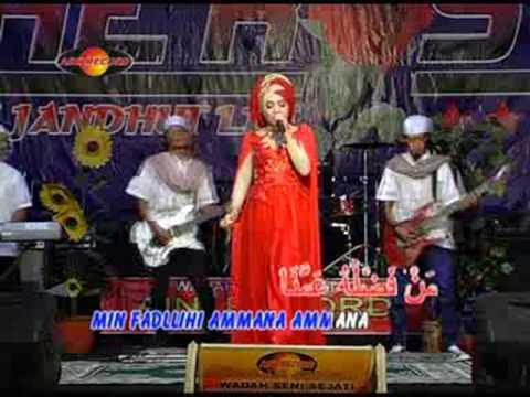 Download Deviana Safara - Ya Ashiqol Mustofa (Official Music Videos) free