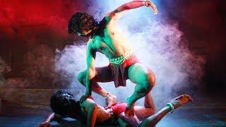 കാണികളെ  മുൻമുനയിൽ നിർത്തിയ ഒരു തകർപ്പൻ ഡാൻസ് | Acrobatic Dance Show |  Stage  Show