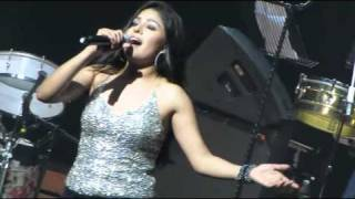 Crazy kiya re @ Sunidhi in singapore