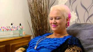 Come Dine with Me - Chesterfield S29E02 - Pink-Haired Loudmouth