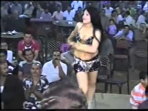 رقص موزة جامدة ومثيرة جدا فى فرح شعبى فى تل القاضى 315