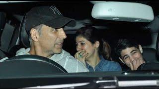 Akshay Kumar spotted at the Airport with Twinkle Khanna, Nitara & Aarav