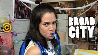 Abbi and Ilana Plan the Best Birthday Ever - Broad City