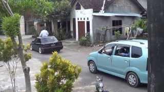 Nurdi Kepala Desa Krakitan Pawai Melintasi Balai Desa