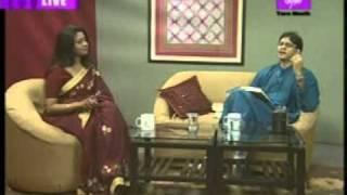 Sounak sings the lively 'Hridoy Amar Nache Re Aajike'.