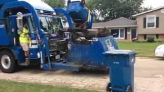 Republic services garbage, Truck 2607