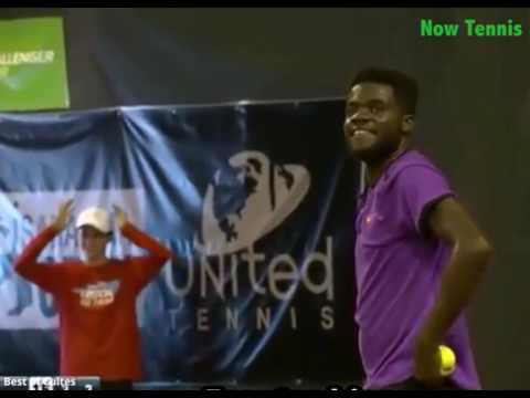 Tiafoe and Krueger playing when suddenly a couple started to scream