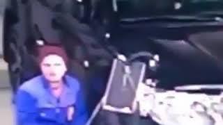 секс в машине в автомастерской