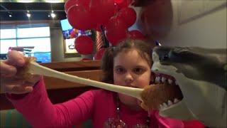 "Feeding Pet Shark Red Robin ""Sharky & Victoria Toy Freaks"" Mega Sharks"